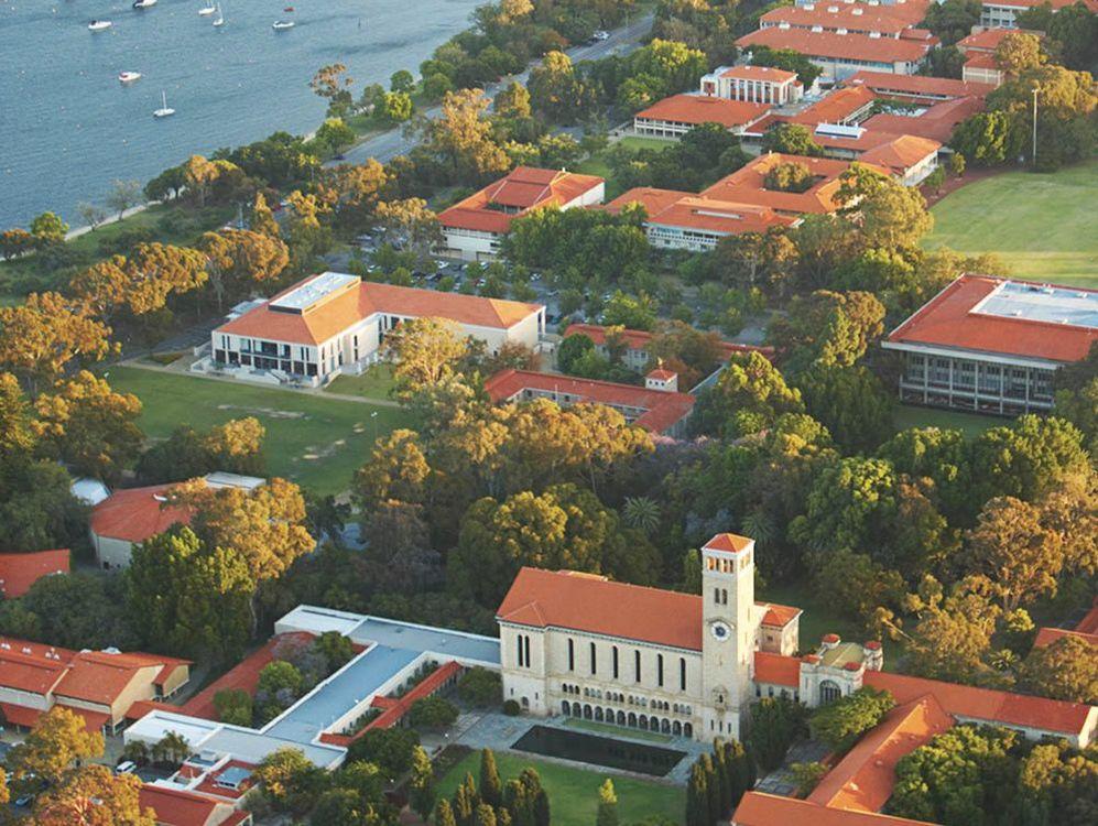 student-uwa-campus